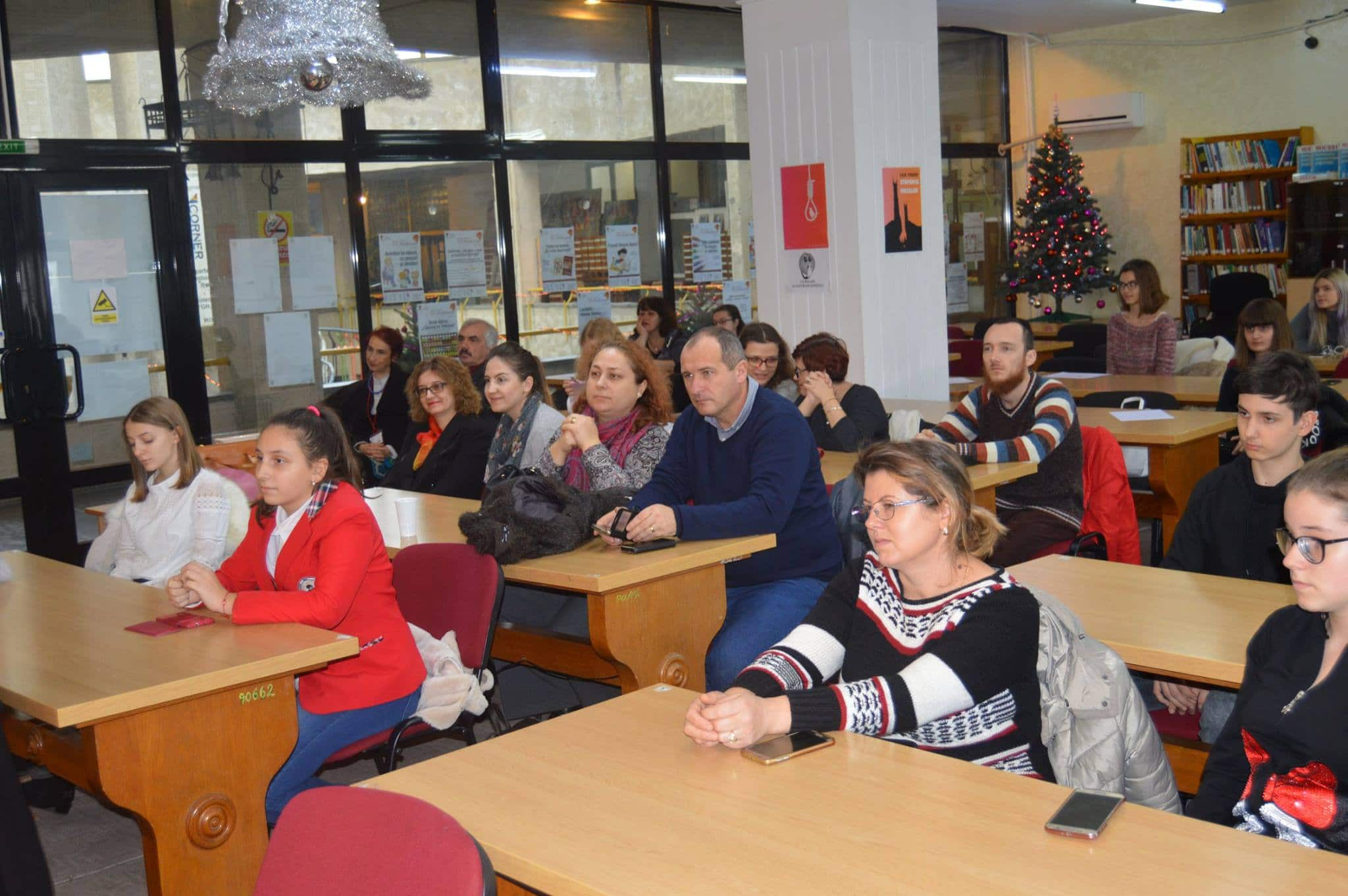 """Festivitatea de premiere a Concursului de traducere și retroversiune """"Ionel Teodoreanu vs. AllyCarter"""""""