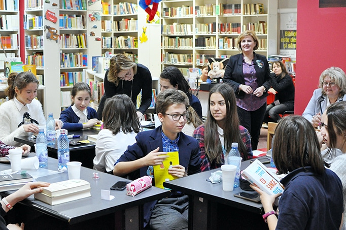 """""""La vânătoare de zmei"""": concurs literar"""
